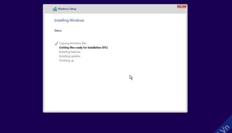 quá trình cài đặt windows 10 diễn ra, sau khi cài xong máy tính sẽ được khởi động lại chuyển vào tùy chọn win 10